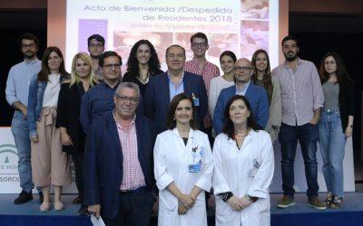La Dra Marian Benticuaga, como tutora de residentes de Medicina Interna, da la bienvenida a los nuevos profesionales.